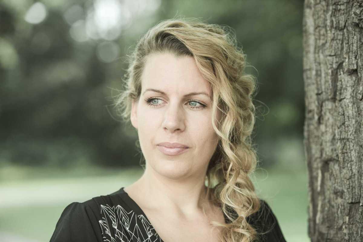 Sandra Schniederjan - Sängerin Musikerin Hochzeiten (1 von 4)