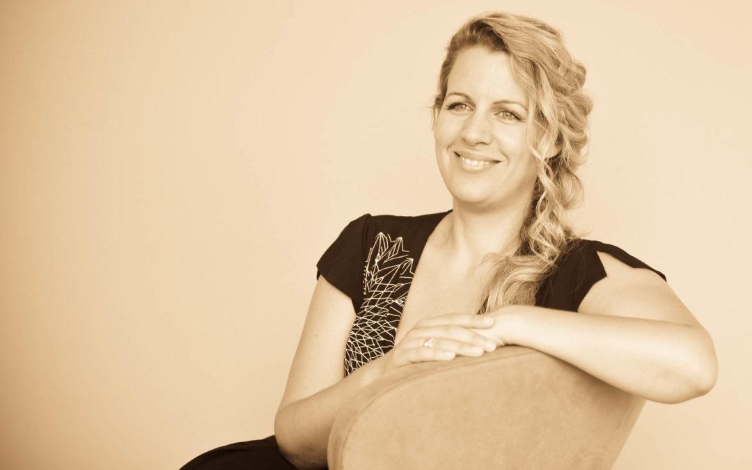 Sängerin & Musikerin Sandra Schniederjan