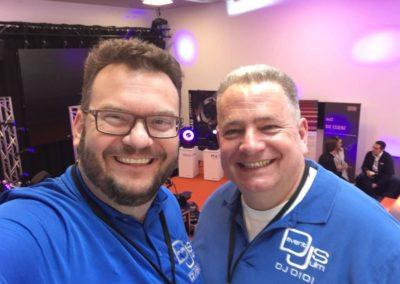 DJ Sven Winkler und Didi von Glater-Event beim Messeaufbau in der Ratiopharm-Arena