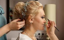 Haare und Make-Up